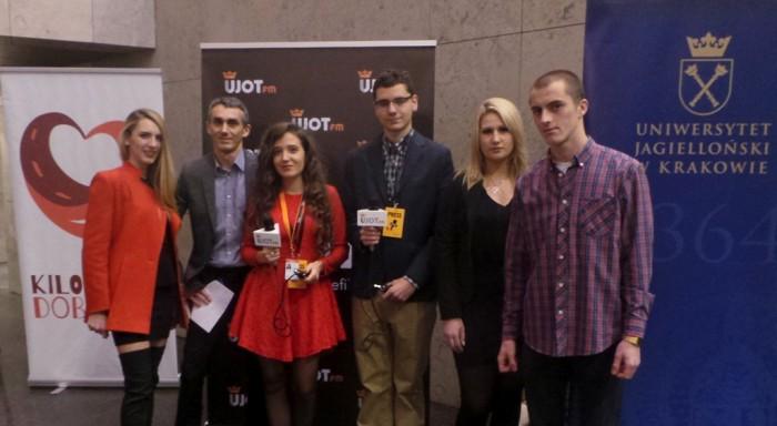 Ekipa Radia UJOT FM wraz z Redaktorem Marcinem Kubatem